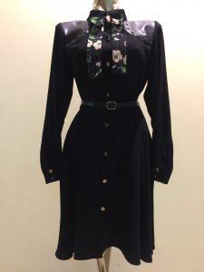 čierne šaty s opaskom